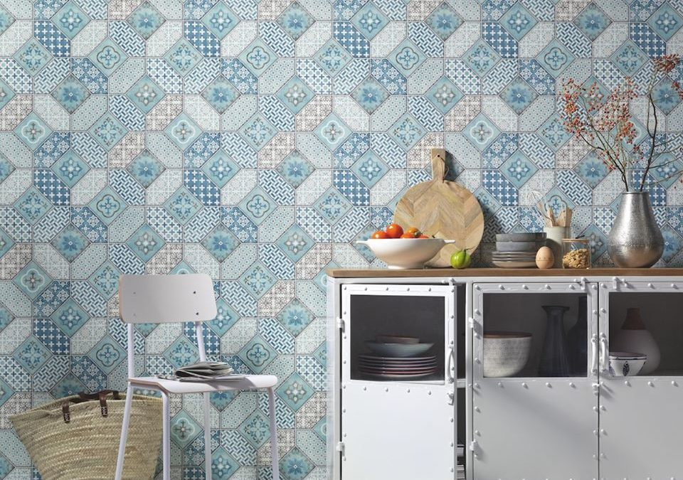 Atrévete a decorar con papel pintado las paredes de tu hogar